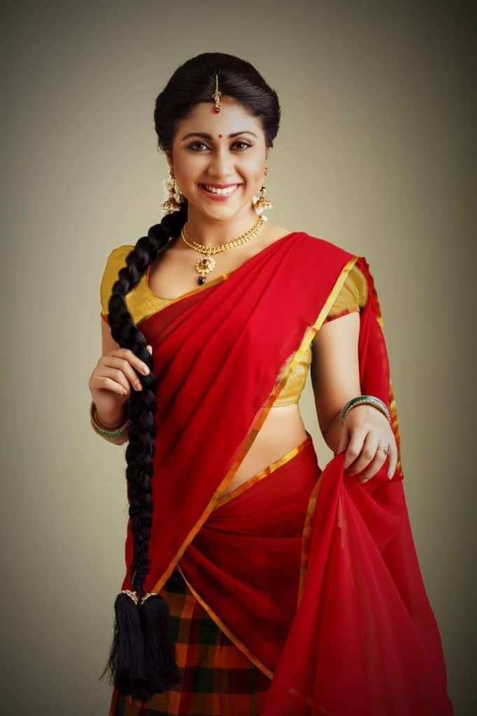 chilli red saree with golden border